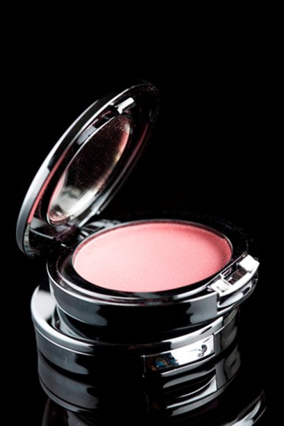 Glam on Powder Blush.Peach Rs 399