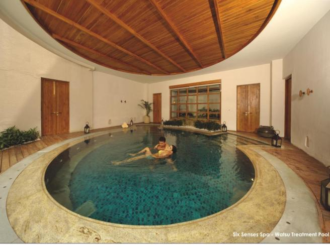 Six Senses Spa - watsu Treatement pool