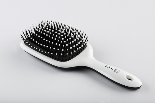 FACES Paddle Brush. Rs 269