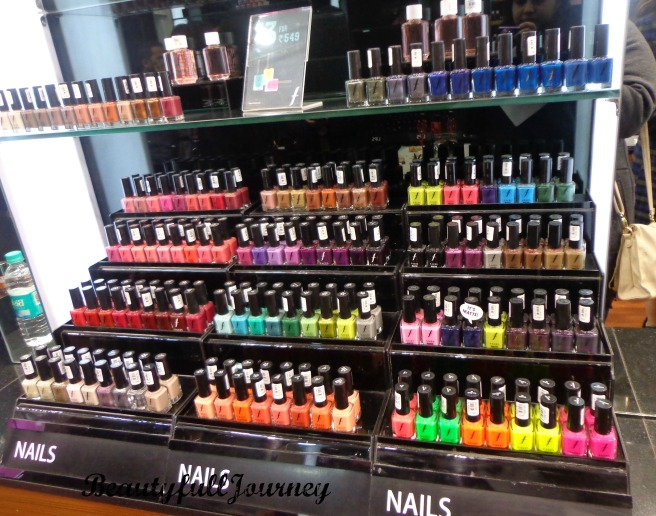 Soooo many nail paints :D
